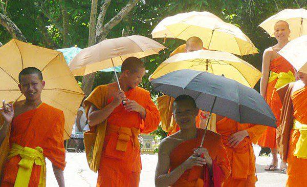 Laos Mönche in Vintiane